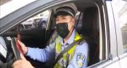 """把安全""""带""""上:安全带如何系 且听交警来说道"""