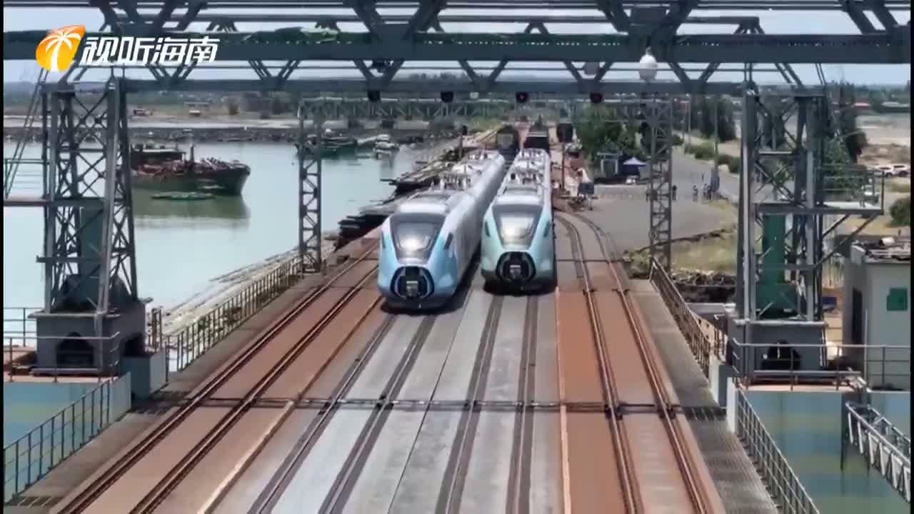 100秒速記市郊列車抵瓊的50小時
