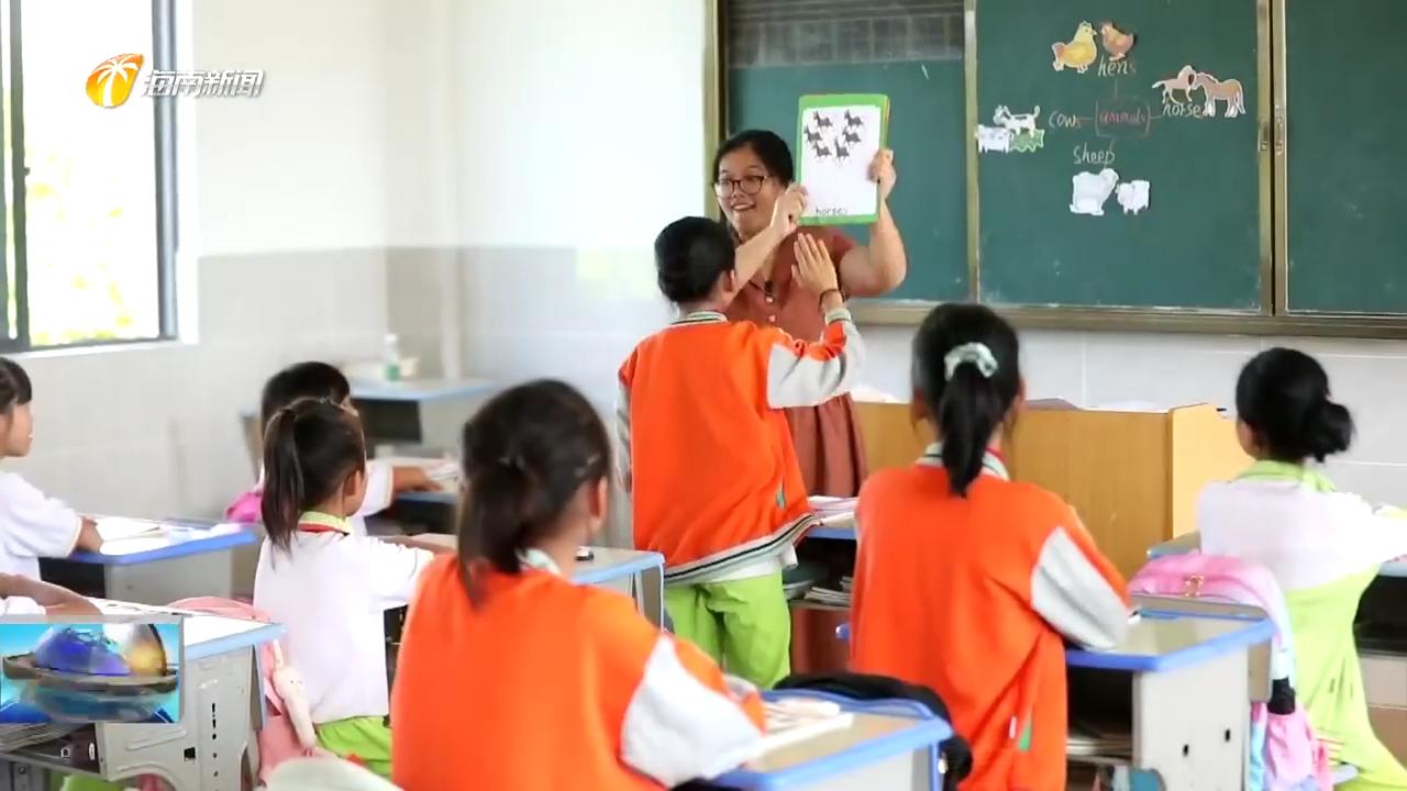 周小慧:扎根乡村教育11年 用心呵护留守儿童