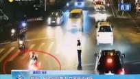 琼海:男子晕倒路边 交警开道送医