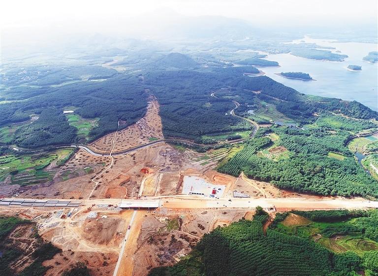 """海南2020年前将实现""""县县通高速"""""""