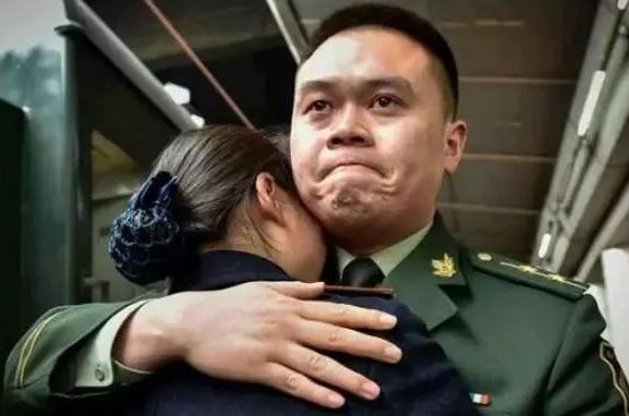 将你的生活与军人对比 看完热泪盈眶