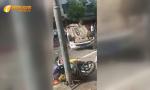 海南琼海塔洋镇一白色小车连撞4车致1死1伤(附视频)