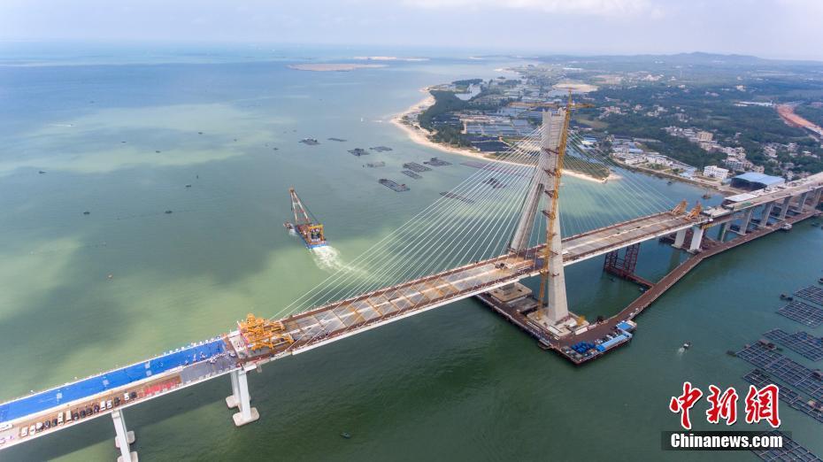 海南跨海大桥主桥即将合龙