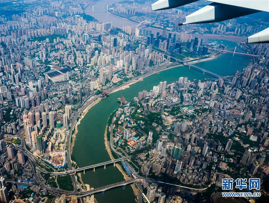 (新华全媒头条·迎接两会特别报道·图文互动)(15)会当水击三千里——全国两会前夕看中国信心