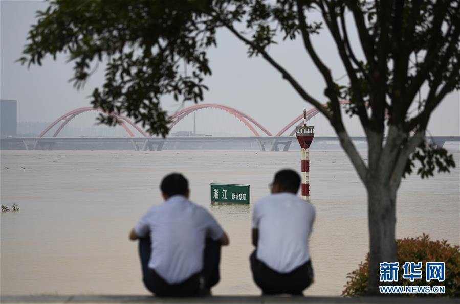 (社会)(4)湘江长沙段水位持续暴涨