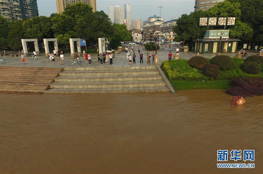 (社会)(5)湘江长沙段水位持续暴涨