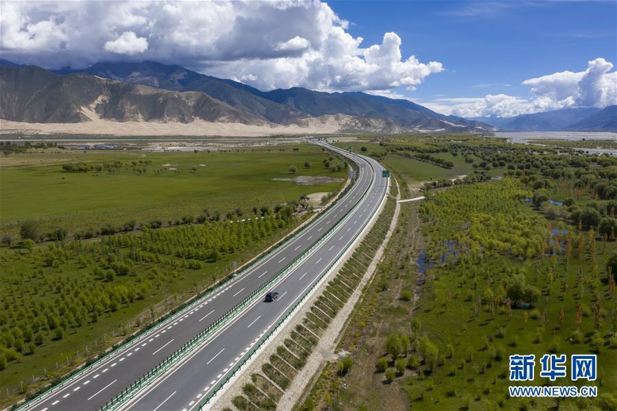 (决战决胜脱贫攻坚·图文互动)(2)荒漠变绿洲 穷乡变富地——雅鲁藏布江山南段40年造林治沙报告