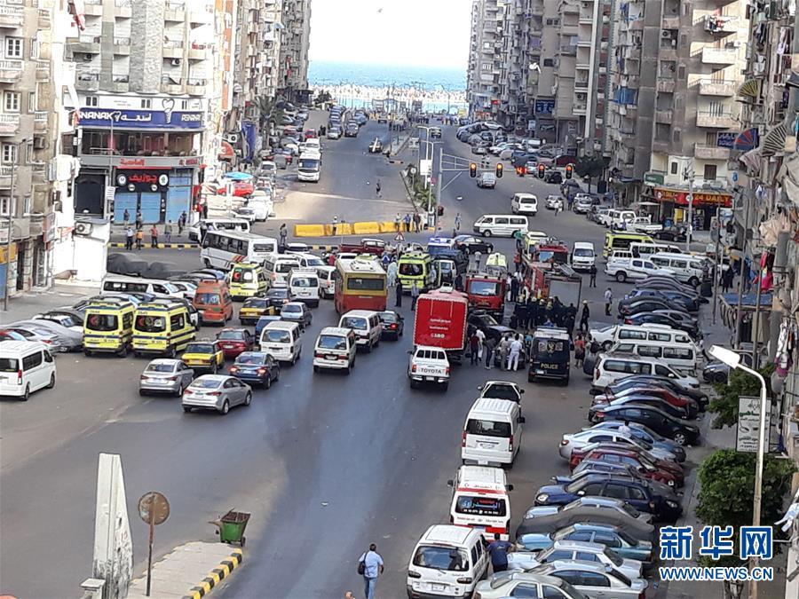 (国际)(4)埃及一家私立医院发生火灾致7人死亡
