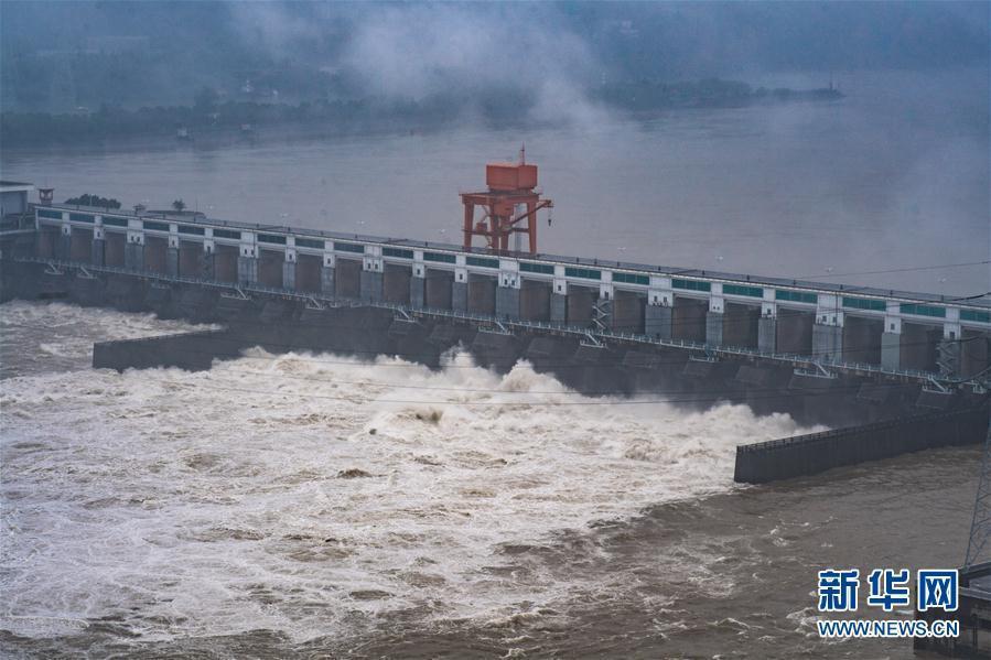 葛洲坝水利枢纽泄洪
