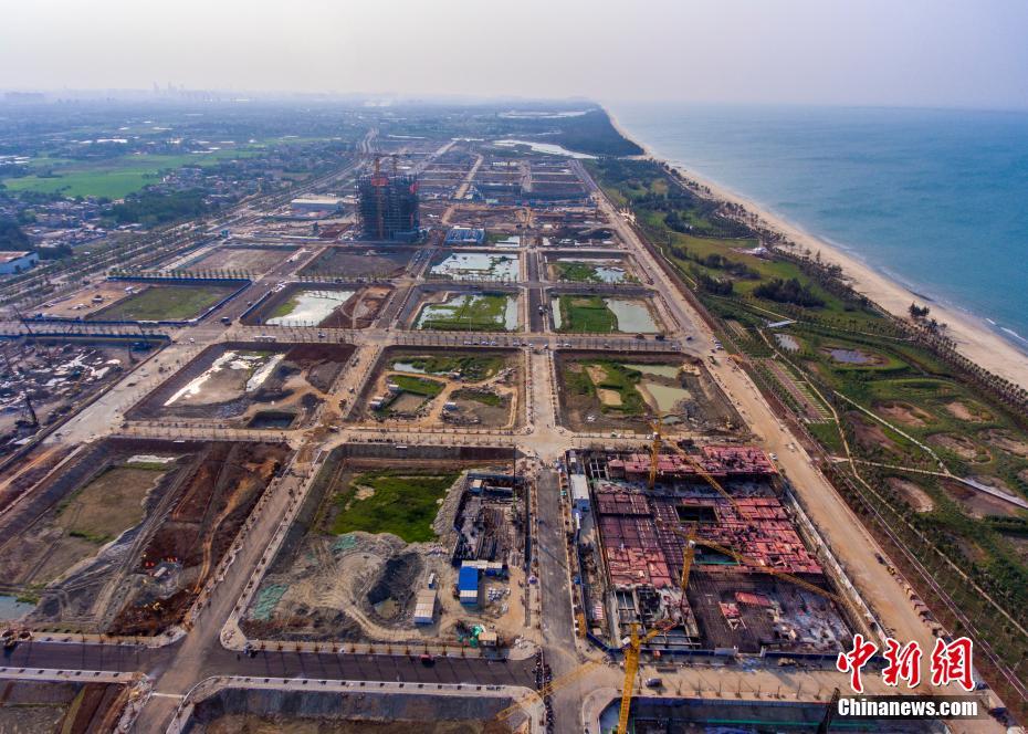 """海南自贸港环岛高速如""""丝线"""" 重点园区似""""珍珠"""""""