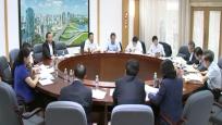 李军参加省委七届四次全会分组第一组讨论