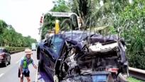 两死四伤事故:?#36335;?#26102;一乘客带儿子看病 家人不敢告知孩子已身亡
