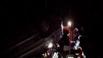 商务车翻下高速路 5人被困1人丧生