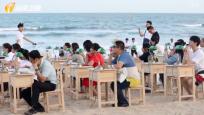 """海南書博會:中俄讀書對話開啟  """"沙灘書桌""""  打造""""世外""""意境"""