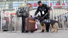 沪铁路34个检查站24小时运转 1000余名警力增援