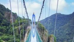 国内首座高空特效玻璃桥23日将在芜湖对外开放