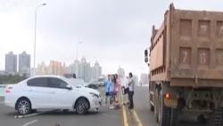 货车与轿车发生碰撞 俩司机说法大相径庭