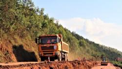 中国援建卢旺达道路项目助力卢旺达发展