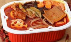"""自熱食品不當會造成爆炸 被多地列入動車""""黑名單"""""""
