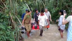 中国旅游团在老挝遭遇严重车祸 中国公民8人死亡