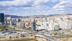 中国企业承建的蒙古国最大互通立交桥主桥通车