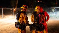 """""""火焰山模式""""重启 美国加州山火灾区进入紧急状态"""