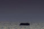 摩洛哥海军在地中海救起329名偷渡者