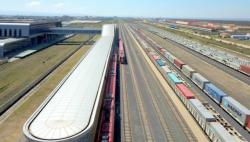 中企承建的肯尼亚内马铁路一期通车