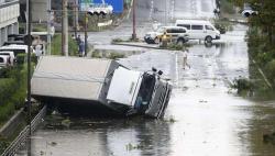 """日本遇""""多事之秋"""" 两月内因台风已损失超百亿元"""