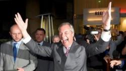 英國大選倒計時一個月:脫歐黨讓路 約翰遜松口氣