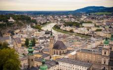 奧地利綠黨首次進入執政聯盟 庫爾茨將再任奧總理