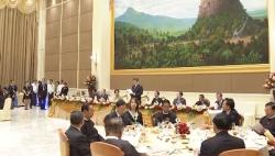 习近平出席缅甸总统温敏举行的欢迎宴会