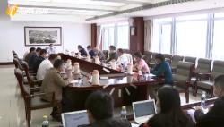 李军主持召开恢复农业生产和推进脱贫攻坚工作专题座谈会