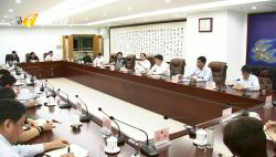 刘赐贵在省人大常委会机关座谈时要求:提升本领 勇于探索 法治先行 为海南自贸港建设提供有力法治保障
