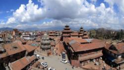 300多名滯留尼泊爾的中國公民搭乘包機回國