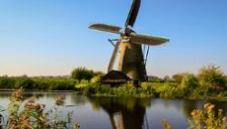 荷兰追加救助资金 比利时将进一步复课