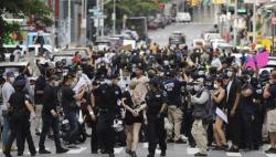 紐約民眾抗議警察粗暴執法致非裔男子死亡