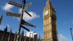 """英国将对疫情低风险国家旅客""""免隔离"""""""