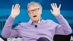 """比尔·盖茨斥责:美国新冠检测耗时太长 """"完全是垃圾"""""""