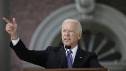 美国民主党正副总统候选人公布纳税单