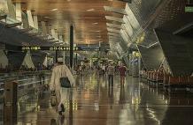 """卡塔尔""""机场弃婴""""风波惹澳政府抗议"""