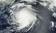 """台风""""莫拉菲""""登陆 菲律宾约9000人疏散"""
