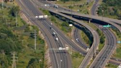 交通运输部研究部署规范道路货运领域行政执法、保障货车司机合法权益等工作