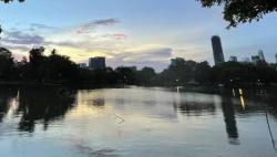 疫情严峻 泰国首都曼谷延长公园关闭措施至5月17日