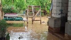 乌兹别克斯坦发生泥石流 已致2名儿童死亡数百座房屋被毁