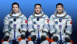 官宣!神舟十二号载人飞船17日发射 飞行乘组由这三人组成