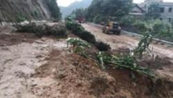 河南南阳遭遇强降雨 南召县转移群众近8000人