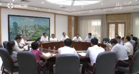 李军参加省委七届六次全会分组讨论