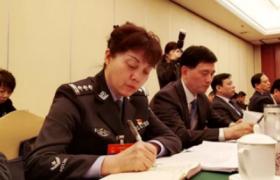 """中国人的故事丨人大代表郝世玲:社区里身穿警服的""""多面手"""""""